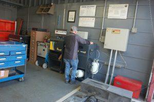 shop inside garage31