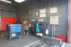 shop inside garage20