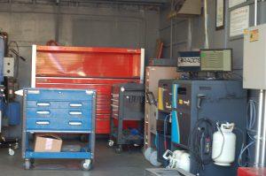 shop inside garage16
